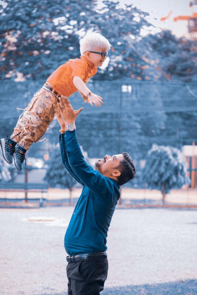ambar gupta with his father